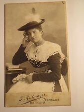 Tegernsee - junge schöne Frau in Tracht mit Hut - Buch - Portrait / CDV