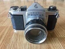 Vintage ASAHI PENTAX CAMERA S1 With AUTO TAKUMAR 1:2.2 55  Lens