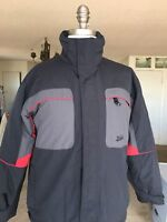 QUICKSILVER YOUTH SZ M BLACK/RED NYLON INSULATED ZIPPER JACKET W/POCKETS