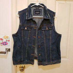 Rue 21 Blue Denim Womans Vest Distressed Collar Button Front Womans Size XL