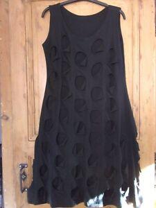 BORIS INDUSTRIES robe T 3 ( voir dimensions)