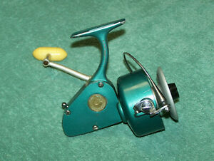 Penn 704 Spinfisher Spinning Reel - Green - See Pics and description.