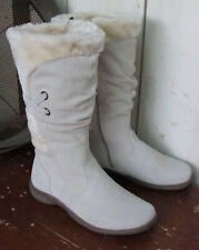 "Wanderlust MukLuk Boots 9W Winter White Suede & Shearling Canada 1"" Heel"