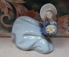 "Lladro 5591""Garden Treasures"" windblown lady with hat & flowers - MWOB, RV$425"