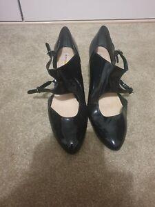 Diana Ferrari patent leather wedges size 11