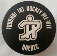 QUEBEC TOURNOI INTERNATIONAL HOCKEY PEE - WEE PUCK MADE IN CANADA VINTAGE SCARCE