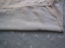 Ancien voilage, rideau de Caudry - linge ancien