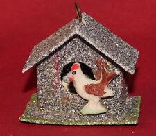 Christbaumschmuck Hühnerhaus mit Huhn aus Tragant Granitglimmer Pappe um 1930