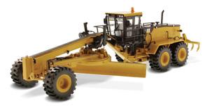 Diecast Masters 85264C - Caterpillar CAT 24M Motor Grader Core Classic - 1:50