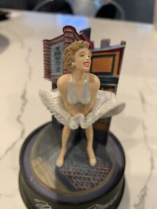 """Marilyn Monroe Seven Year Itch 5"""" Music Figurine With Glass Dome #2882"""