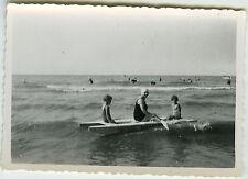 PHOTO ANCIENNE - FLOTTEUR BATEAU ENFANT MER - SEA HOLIDAYS - Vintage Snapshot