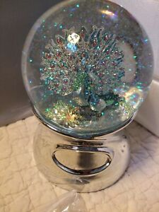 NEW Things Remembered Musical Rotating Snow Globe: PEACOCKS - Lang's Flower Song