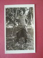 CPA - PHOTO WW1 14-18 - Soldat en pied poilu en forêt 135 ème régiment
