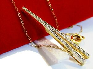 18 cts Gold pendant and chain with 60 diamonds