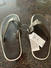 Gap brown Flips Boys 12/13 Flipflops sandals GAP