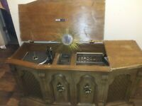 Vintage Allegro sound system by Zenith. early 1970 s cabinet original speakers