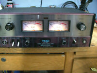 TEAC NOISE REDUCTION AN-180 UNIT. POWERS UP . SELLING FOR PARTS OR FIXER UPPER