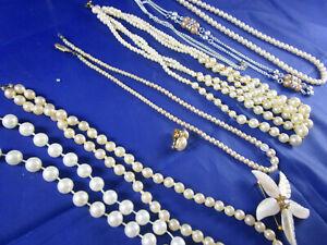 Konvolut Schmuck 6x Perlenkette Ohrring Brosche versch. Längen Perlmutt Brosche