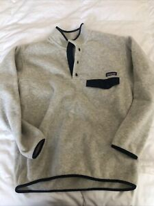 Patagonia men's synchilla lightweight Snap T pullover sweater. Medium