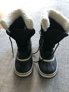 Sorel Ladies Snow Boots Size 38 (US 7)