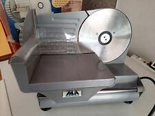 affettatrice ALA, in acciaio verniciato, lama 19 cm, 100 Watt, usata.