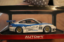 AUTOART PORSCHE 911 996 GT3 RSR FIA GT MUGELLO 2006  OVP VITRINENMODELL 1:18