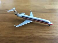 Herpa Wings 1:500 American Eagle Bombardier CRJ 700  513586