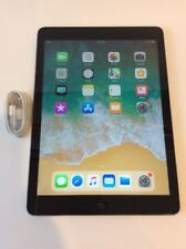 Apple iPad Air 1st Generation 64GB, Wi-Fi, 9.7in - Space Gray