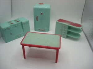 Vintage PLASCO Dollhouse Furniture, Kitchen Table Stove Refrigerator   Red Green