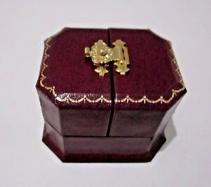 Antique Style Burgundy Leatherette 2 door Fine Ring Gift Box-Gold Clasp/TrimAJ26