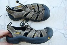 Brown & Black Checkered Leather KEEN Slingback Waterproof Sandals Kids 11