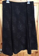 East 5TH A-Line Skirt Black Sz 8 W/Velvety Detail &  Shiny Floral Embroidery Zip