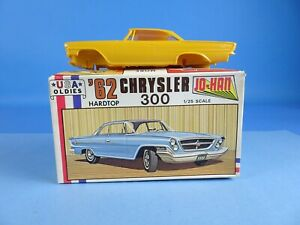 Vintage Jo-Han 1962 '62 Chrysler 300 Hardtop Model Kit 1/25 USA C-4062