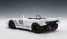 Porsche 908/2 Steve McQueen / Peter Revson Sebring 12h.1970 AutoArt 1:18  signed