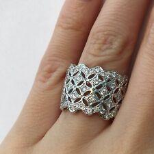 Hand Ring in 18k Gold E-F Vs1 1.45 Ct Round Brilliant Cut Diamond Cocktail Right