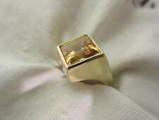 Lady's 18 karat yellow gold ring square cut orange citrine quartz