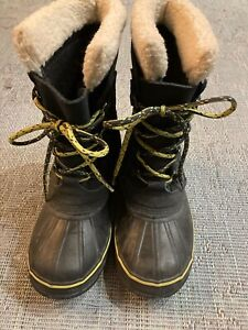 L.L. Bean Women's Black Snow Boots. US 7