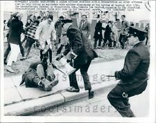 1969 Police Scuffle With Antiwar Demonstrators Washington DC 1960s Press Photo