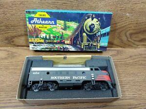 NEW HO Scale Athearn Southern Pacific F7 Gray Lark 6352 Locomotive Blue Box 3209