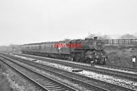 PHOTO  LMS LOCO NO 43125 WITH DEAD DMU ILLFIELD 20TH OCT 1966