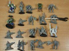 Pequeña colección de mayormente Gorkamorka Orks parte Pintado (351)