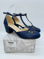Chase & Chloe Women's Cutout Minny T-Strap Pump Navy US 8