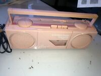 Totally 80's Currents peach/pink Boombox (Ghetto Blaster) Radio/Cassette  N2828A