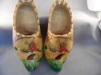 """VINTAGE PAIR 7"""" HANGING WOODEN SHOES HAND-PAINTED WINDMILL MADE IN HOLLAND"""