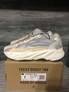 Adidas Yeezy Boost 700 V2 Cream GY7924 Size 7 White Kanye