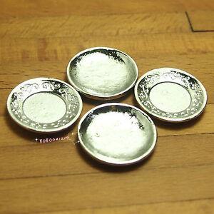 Dollhouse Miniature 1:12 Toy Kitchen 4 Pieces Metal Plates Diameter 2.4cm X0449