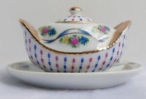 Soupière / légumier miniature en porcelaine—Style de Vienne XVIe siècle—H 5,5 cm