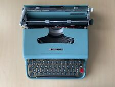 Vintage Olivetti lettera 22 typewriter mint w/ case!