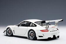 AutoArt Porsche 911(997) GT3 R 2010 Plain Body Version (White) 81070