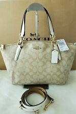 Coach Signature Light Weight Sm Kelsey Code F28989. NWT $298